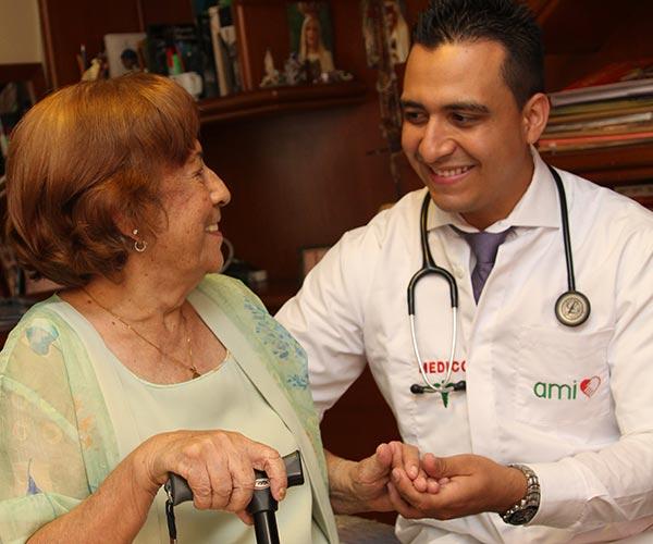 Asistencia médica adultos mayores
